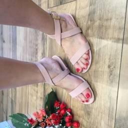 Revenda de sapatilhas e calçados feminios em geral