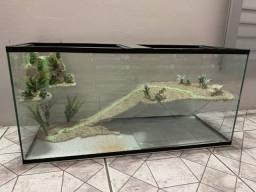 Aquaterrario novo com cascata de água, plataforma decorada, medidas de 80x30x40cm