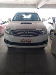 Toyota Hilux Mod 2012 3w4 3rv 4x4 7 lugares - 2012