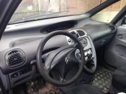 Vendo Xsara Picasso 2.0/16v - Completo - Mec - Gasolina - Ótimo carro! - 2004