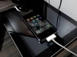 Apple Iphone 4S praticamente novo