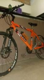 Bicicleta semi nova impecável