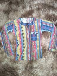 Blusa colorida R$ 20/ calça masculina marrom R$ 35