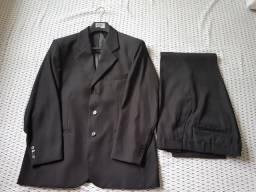 Terno da marca Garbo, preto, tamanho 50