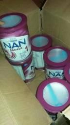 Pacote de leite NAN com 6 pote