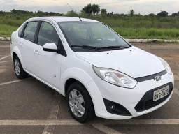 Fiesta sedan 1.6 13/14 - 2014