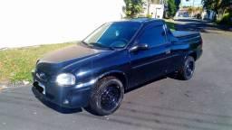 Pick up Corsa preta 2001