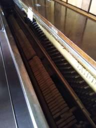 Piano de madeira Sandoli