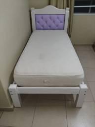 Vendo cama solteiro em laca branca com cabeceira em captone lilás