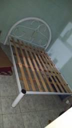 Vendo cama de casal de Ferro