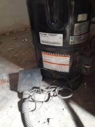 Compressor ELGIN 220V, 50/60 HZ  PH3, TAG 2522ZBT....mais a Unidade Condensadora.