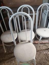 Título do anúncio: Mesa de mármore mais 4 cadeiras