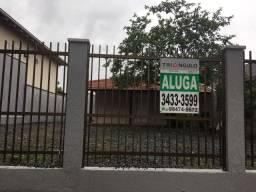 Casa para locação com excelente localização no bairro Saguaçu