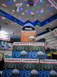 Título do anúncio: Bola Maluca Led Rgb Holográfico Mp3 Magic + Controle