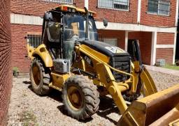 Retroescavadeira Caterpillar r$ 125.000