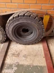 Roda de empilhadeira