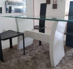 Título do anúncio: Linda mesa de jantar 4 cadeiras