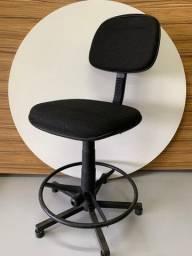 Cadeira alta giratória