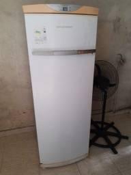 Título do anúncio: Freezer fross free Brastemp