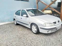 Vendo de Barbada MEGANE Hatch/2001 - R$6.000 - 2001