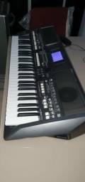 Teclado arranjador Yamaha psr s670