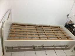 Conjunto cama + mesa de estudos ótima madeira!