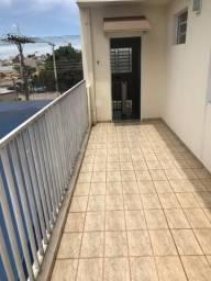 Apartamento, sobreloja, Rua Ceará, proximo ao Comper, 3 quartos