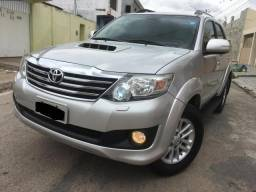 Toyota Hilux SW4 SRV Turbo Disel 2014 - 2014
