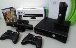 Título do anúncio: Xbox 360 completo com 02 controle e kinect. Aceitamos video games como parte do pagamento
