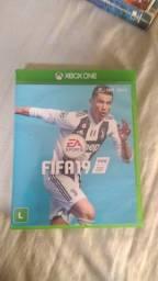 FIFA 19 para Xbox One, mídia física.