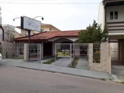 Ampla casa Residencial/Comercial em Barreiros.