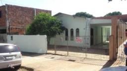 Casa para Locação em Presidente Prudente, PARQUE ALVORADA, 2 dormitórios, 1 banheiro, 2 va