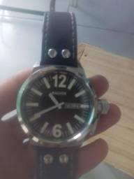 Vendo ou troco um relógio magnum
