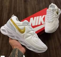 Tênis Nike Air Max Maverick