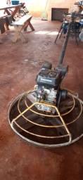 Maquina de polir piso.  (Polideira)