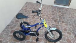 Bicicleta Triciclo Baixei para vender