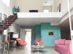 Título do anúncio: Casa modernista alto padrão, 550m2 com jardim, 3 quartos, 2 vagas, piscina aquecida.