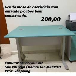 Título do anúncio: Vendo mesa usada em excelente estado