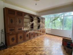 Título do anúncio: Amplo apartamento no Centro Histórico de Petrópolis. Oportunidade.