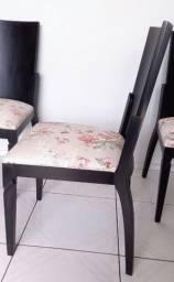 4 Cadeiras de madeira -Leia a descrição-