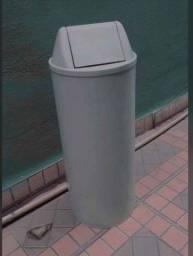 Título do anúncio: Lixeira plastica com tampa movel - Apenas 25 reais a unid