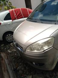 Carro Fiat idea 2013