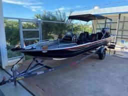 Título do anúncio: Lancha Boto 6000 Alt Pesca Com Motor Mercury 50hp Com Trim<br><br>
