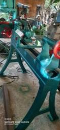 Título do anúncio: Maquinas de marcenaria Torno pra madeira invicta