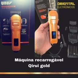Título do anúncio: Máquina para Corte de Cabelo Profissional Faz Barba Qirui QR-8O9C 2000 mAh Recarregável