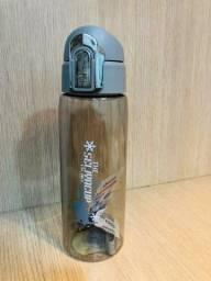 Título do anúncio: Garrafinhas squeeze - NOVAS - 700ml
