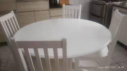 Título do anúncio: Mesa Redonda com 4 Cadeiras em Uberlândia Minas Gerais