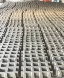 Artefatos de cimento Silveira/ concregrama bruto e liso