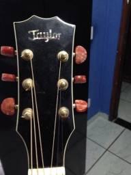 Violão taylor