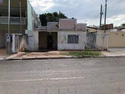 Vendo Um (01) Terreno no Bairro Dom Aquino, Rua Comendador Henrique, n 686